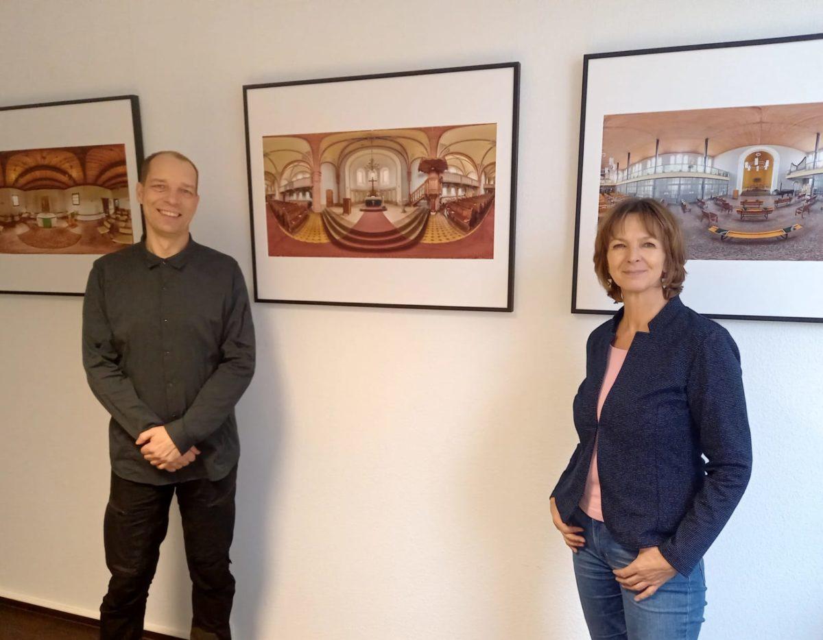 Frank Trosien und Isabell Hiekel bei der Eröffnung der Ausstellung